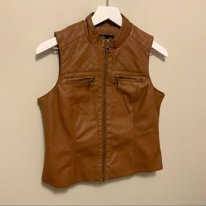 Baccini Faux Leather Vest Petite Medium Brown